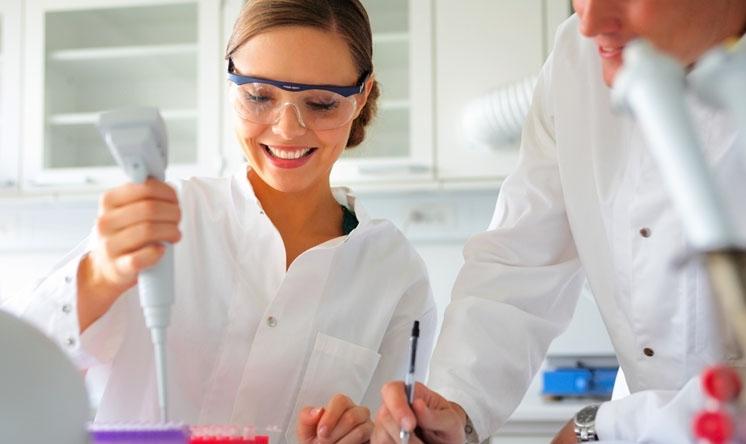 Valutazione degli effetti degli inibitori del reuptake della serotonina sulla densità minerale ossea.