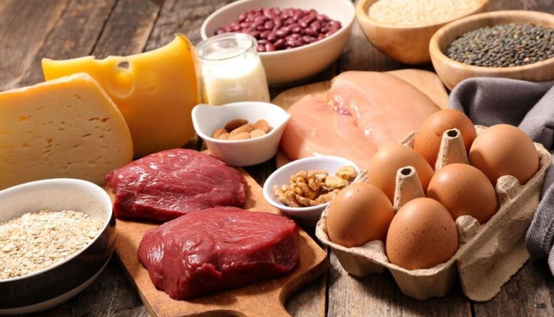 Benefici e sicurezza di un adeguato apporto dietetico di proteine sulla salute scheletrica